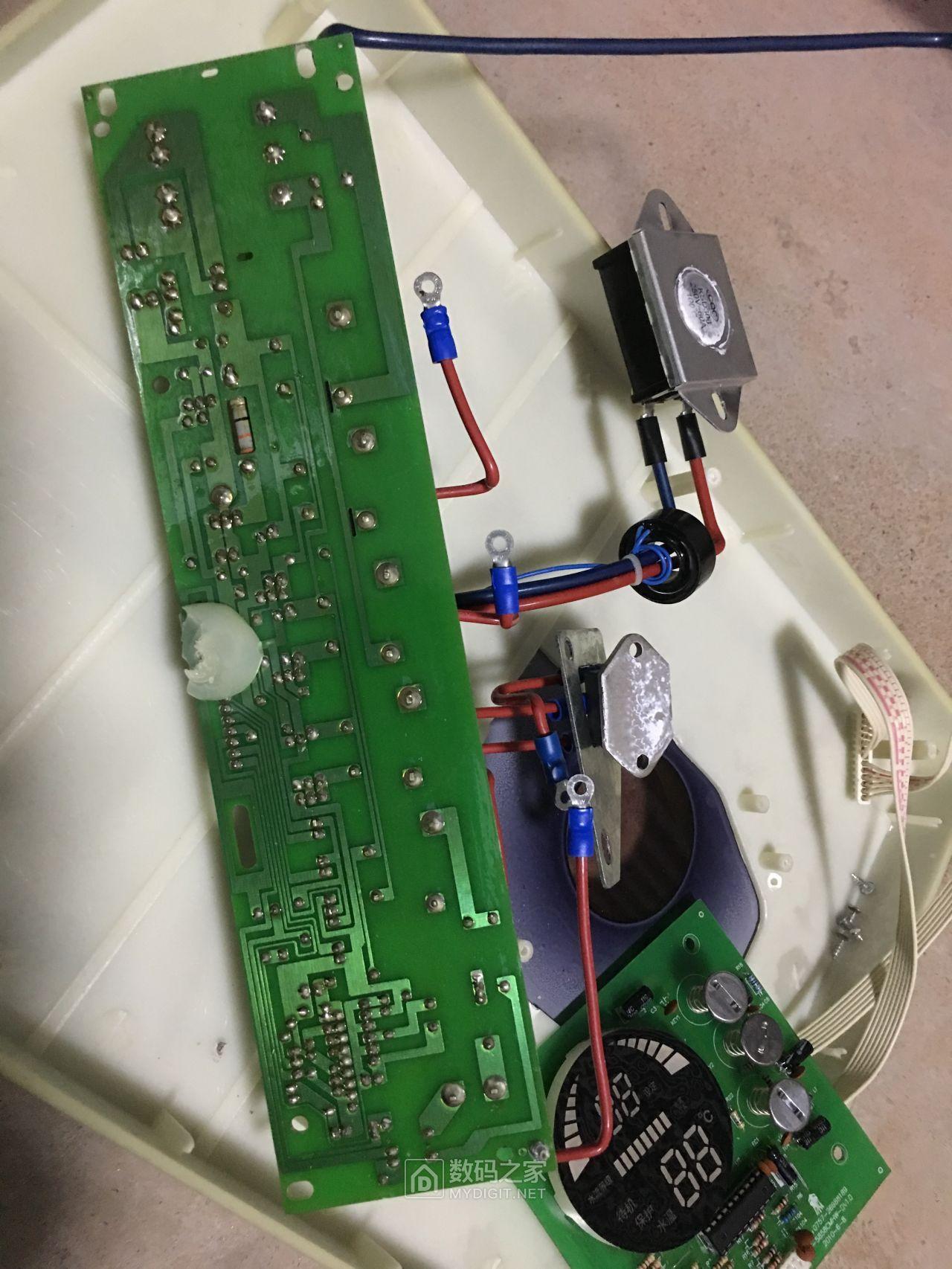控制板也拆下,这些东东要带回的