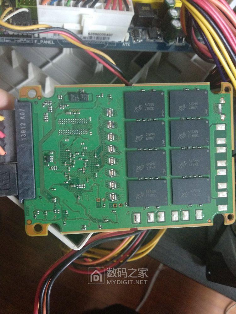 反面25nm MLC NAND闪存颗粒