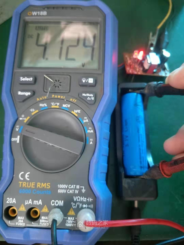 充电中电池电压为较高电位.jpg