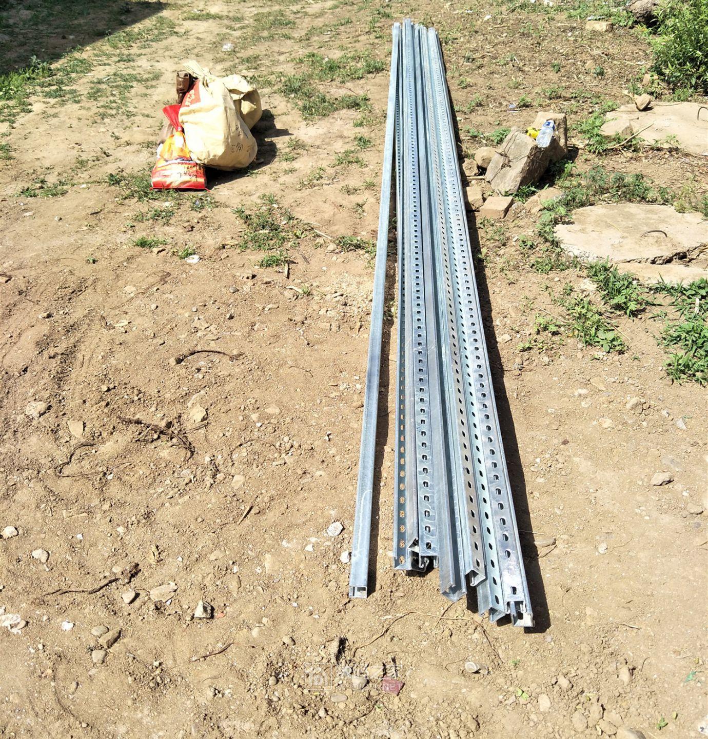 镀锌支架和螺丝