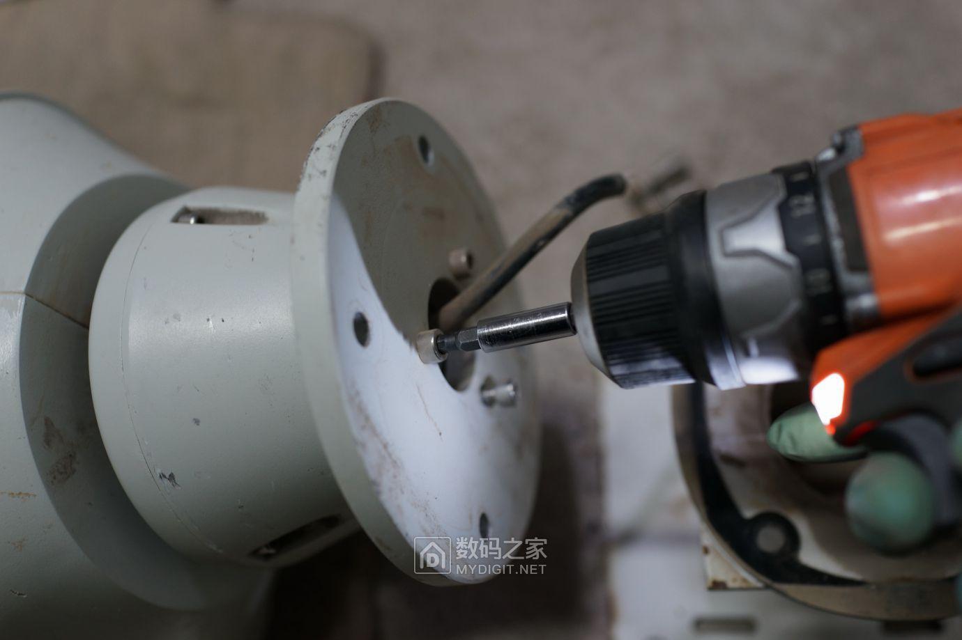 里奇小胖子12V电批,最大力档拆了一个螺丝第二个就打不动了